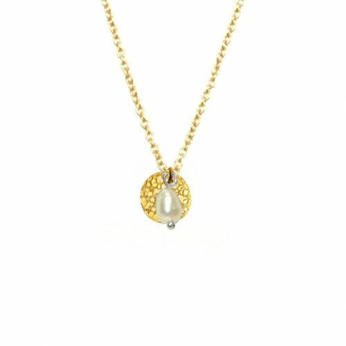 Mas Jewelz necklace with hammered Coin and Pearl Gold